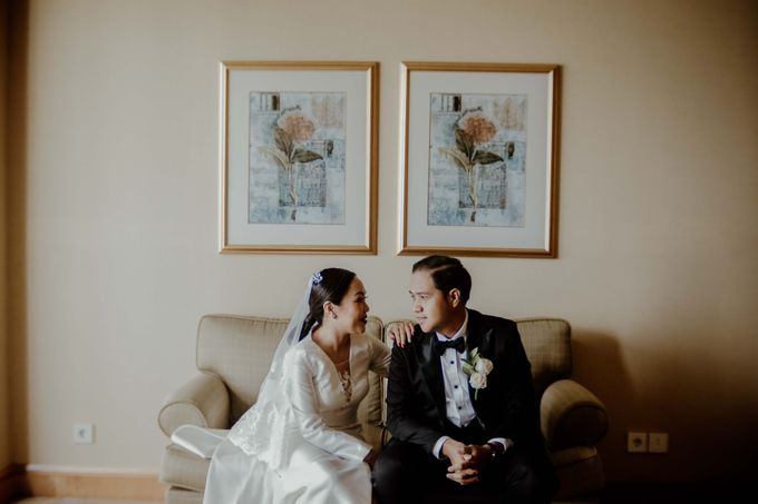 Vania & Kennan Wedding at Sampoerna Strategic by AKSA Creative - 032