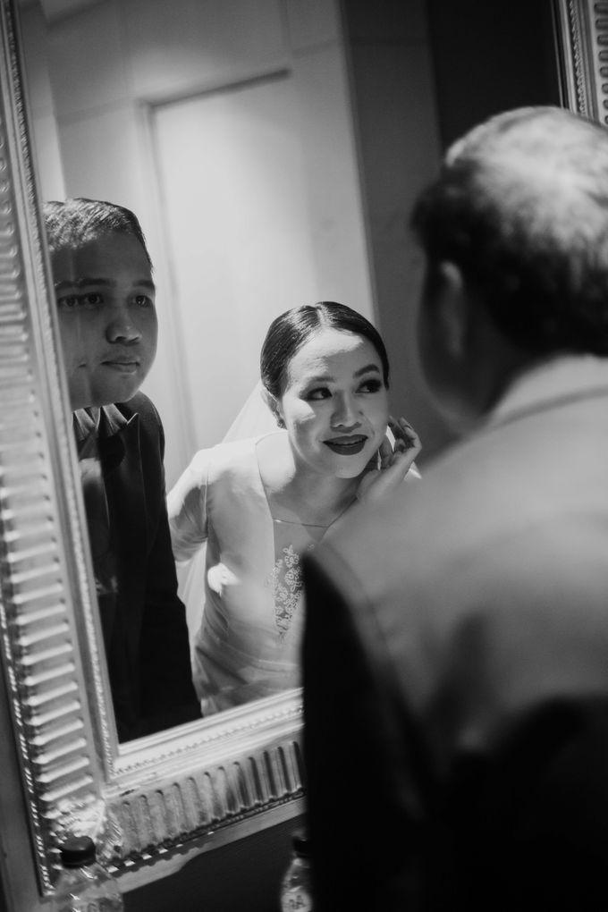 Vania & Kennan Wedding at Sampoerna Strategic by AKSA Creative - 029