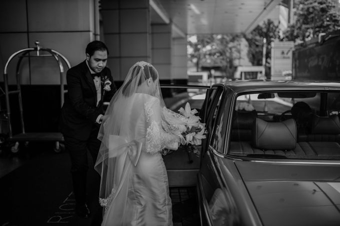 Vania & Kennan Wedding at Sampoerna Strategic by AKSA Creative - 030