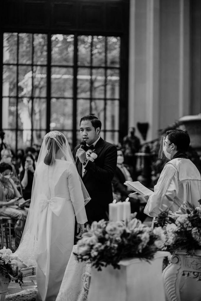 Vania & Kennan Wedding at Sampoerna Strategic by AKSA Creative - 023
