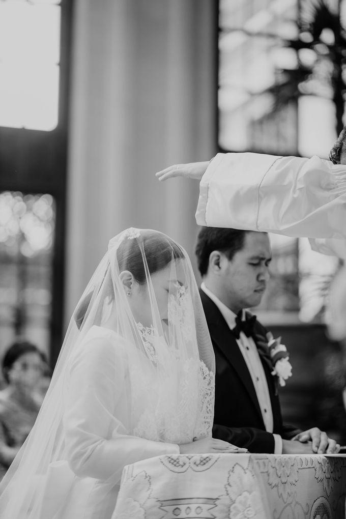 Vania & Kennan Wedding at Sampoerna Strategic by AKSA Creative - 024