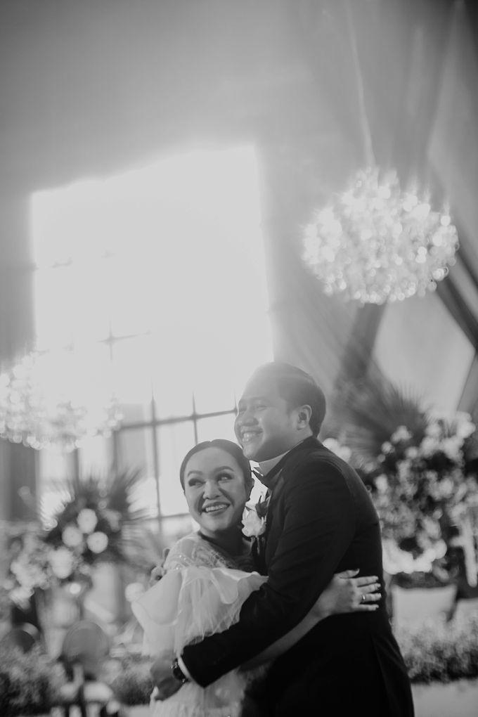 Vania & Kennan Wedding at Sampoerna Strategic by AKSA Creative - 014