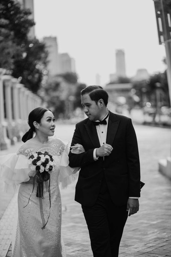 Vania & Kennan Wedding at Sampoerna Strategic by AKSA Creative - 008