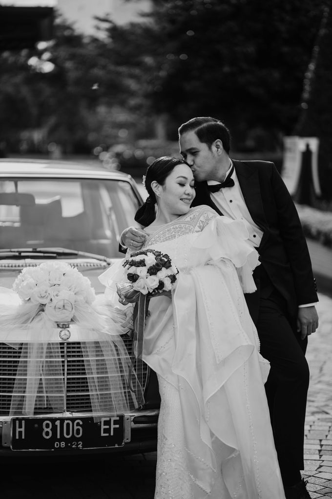 Vania & Kennan Wedding at Sampoerna Strategic by AKSA Creative - 004