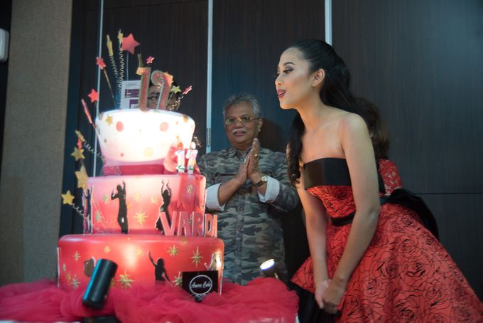 Sweet 17th Gown for Varda by Crowne Plaza Bandung - 009