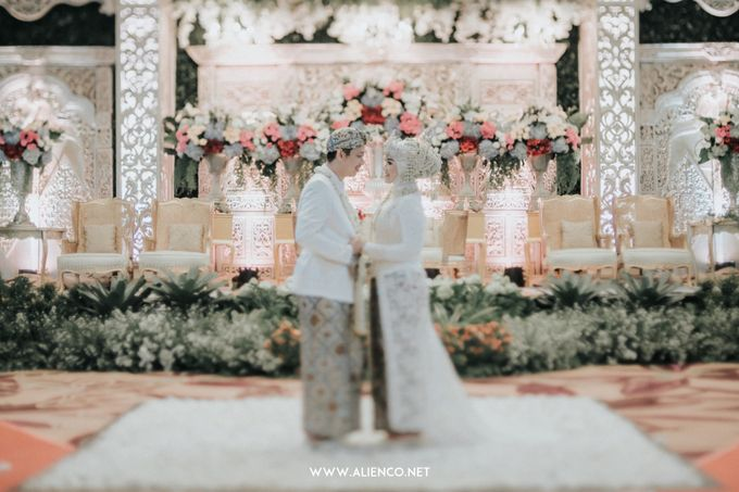 THE WEDDING OF ANGGI & iNDRA by alienco photography - 050