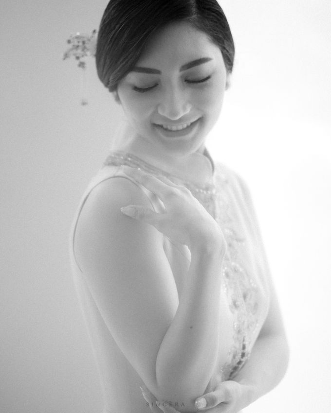 Vincent & Astrid Engagement by Femine Wiratno - 003