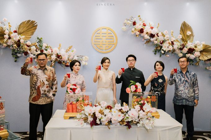Vincent & Astrid Engagement by Femine Wiratno - 011