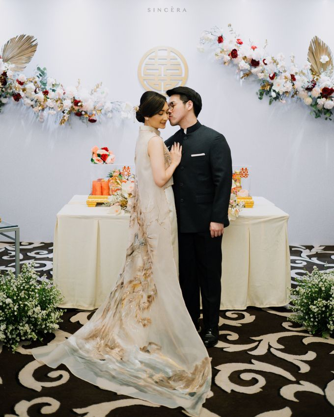 Vincent & Astrid Engagement by Femine Wiratno - 010
