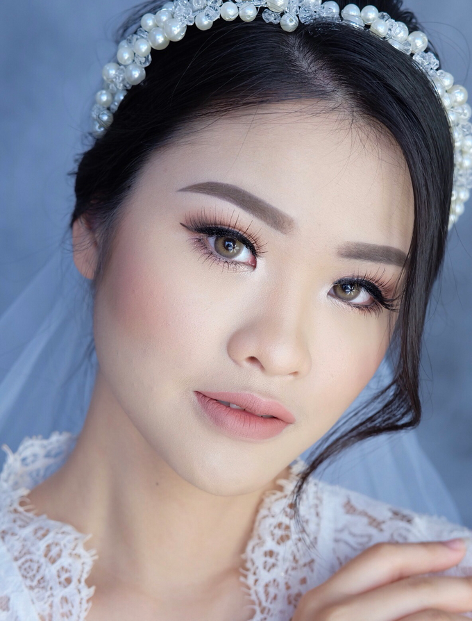 Bride Ms Evelyn by Verena Makeup Artist - 003
