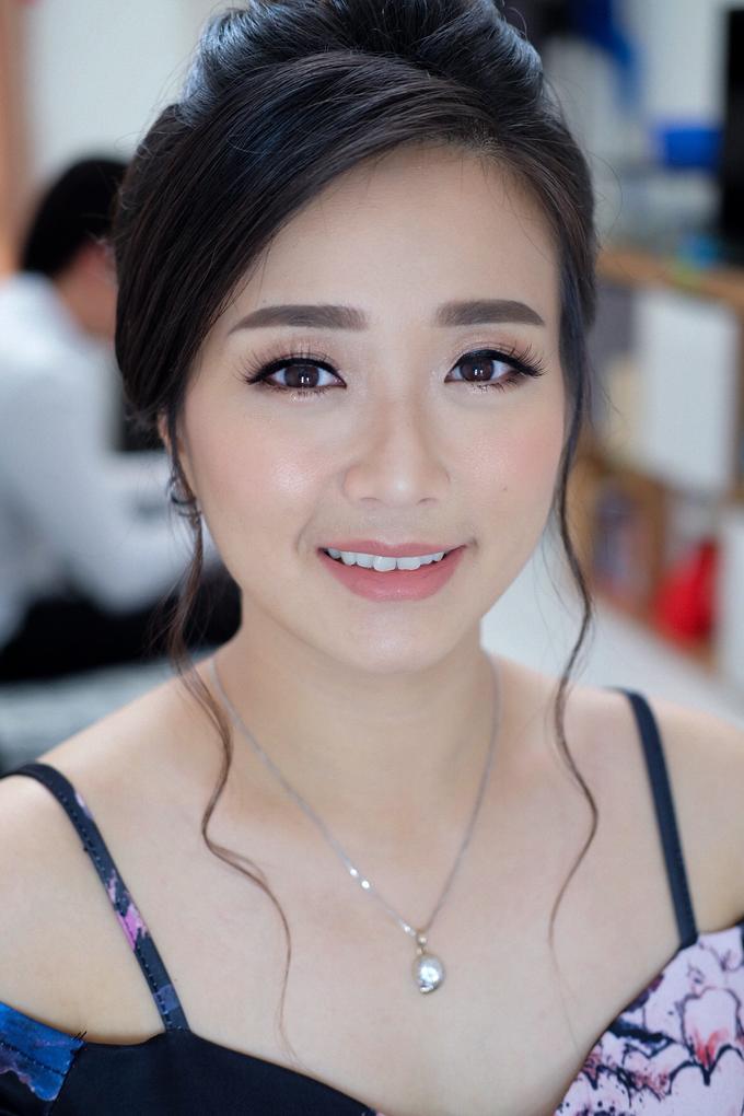 Sister of bride & groom by Verena Makeup Artist - 005