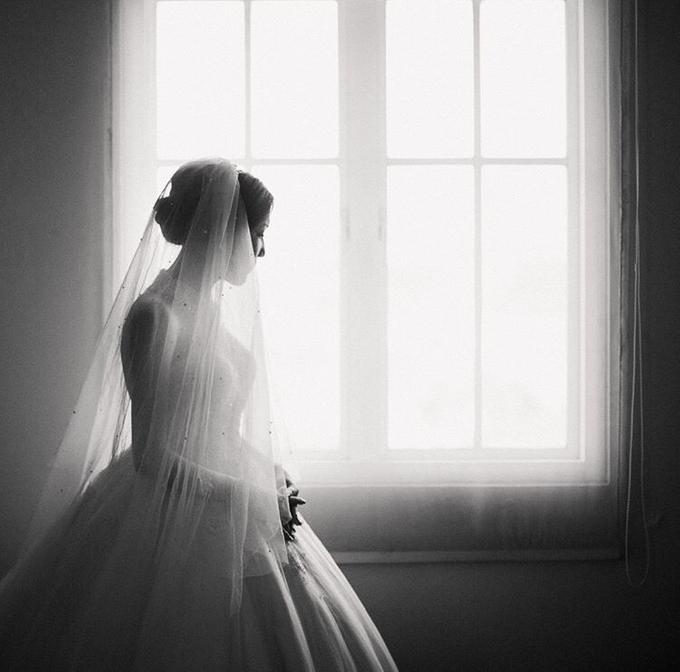 Cipta & Nathalie Tying Knot by Vermount Photoworks - 004