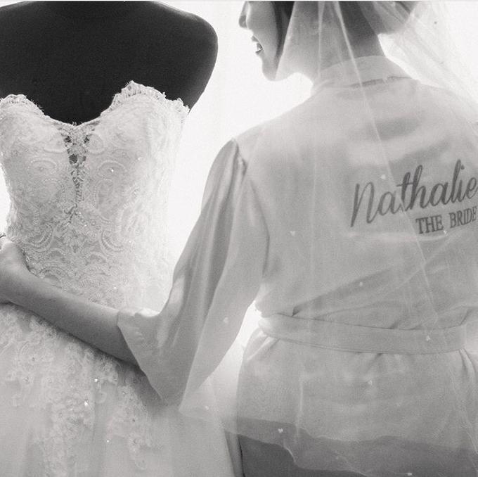 Cipta & Nathalie Tying Knot by Vermount Photoworks - 002
