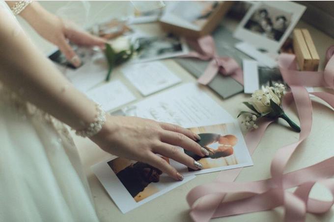 Cipta & Nathalie Tying Knot by Vermount Photoworks - 012