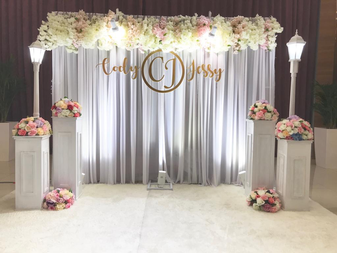 Photobooth with Instant Print by Verona Bridal - 030
