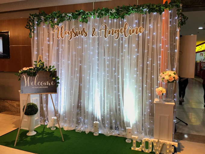 Photobooth with Instant Print by Verona Bridal - 033