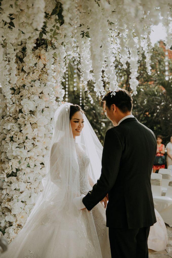 THE WEDDING OF ABEDNEGO & AGUSTINNE by natalia soetjipto - 011