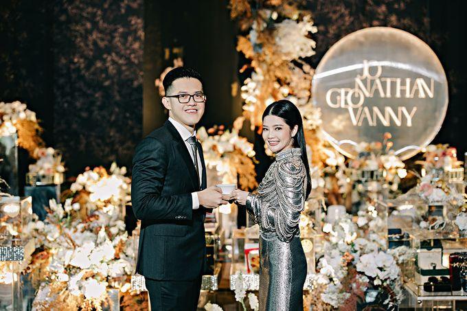 Jonathan & Geovanny's Engagement by Yefta Gunawan - 003