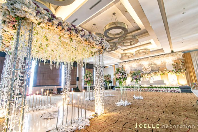 The only thing we never get enough of is love by Joelle Decoration - 003