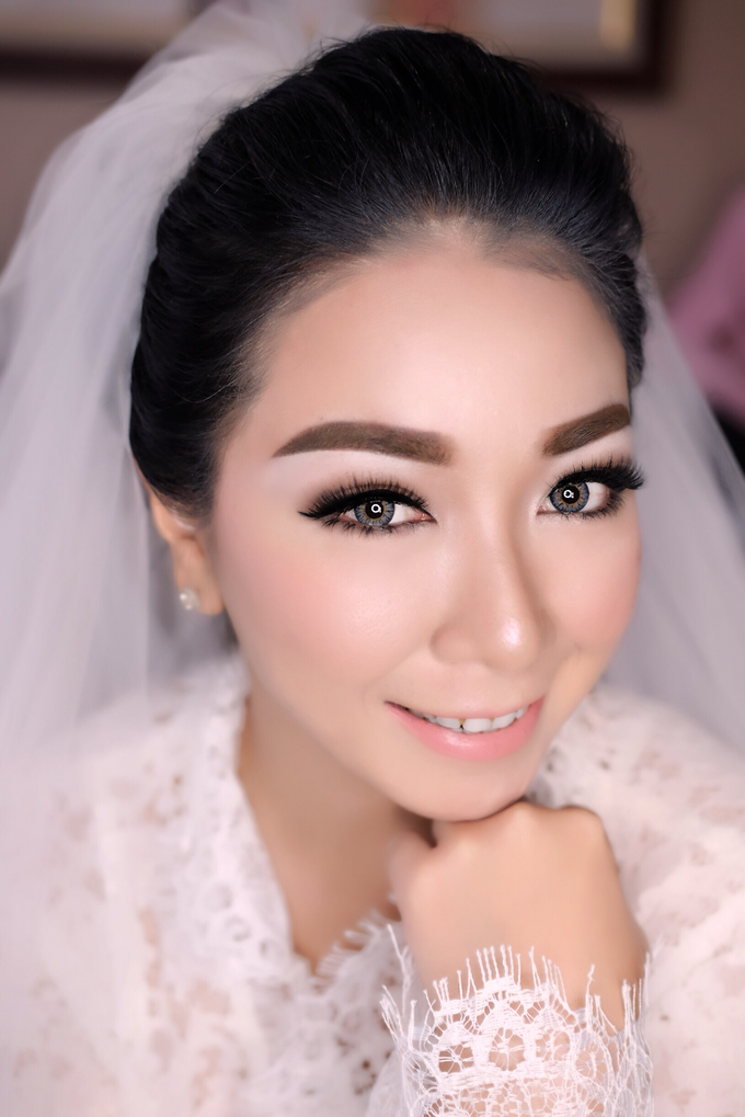 Wedding of Yuris and Retha by Vidi Daniel Makeup Artist managed by Andreas Zhu - 002
