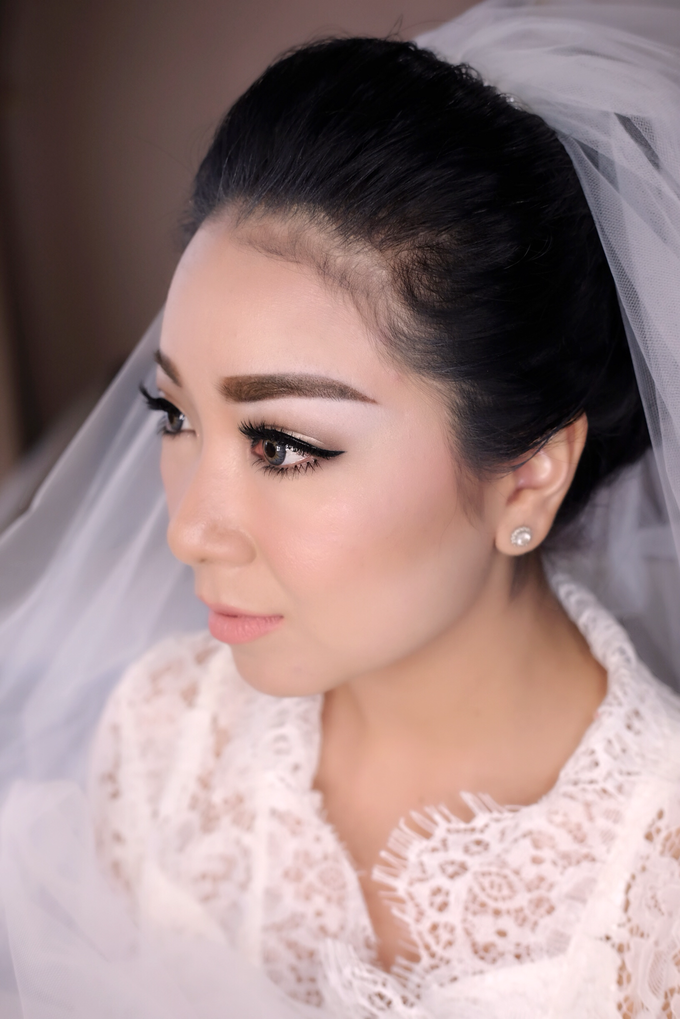 Wedding of Yuris and Retha by Vidi Daniel Makeup Artist managed by Andreas Zhu - 006