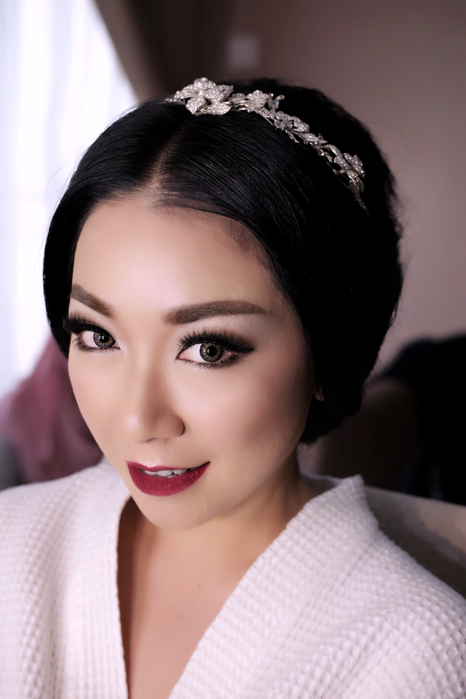 Wedding of Yuris and Retha by Vidi Daniel Makeup Artist managed by Andreas Zhu - 007