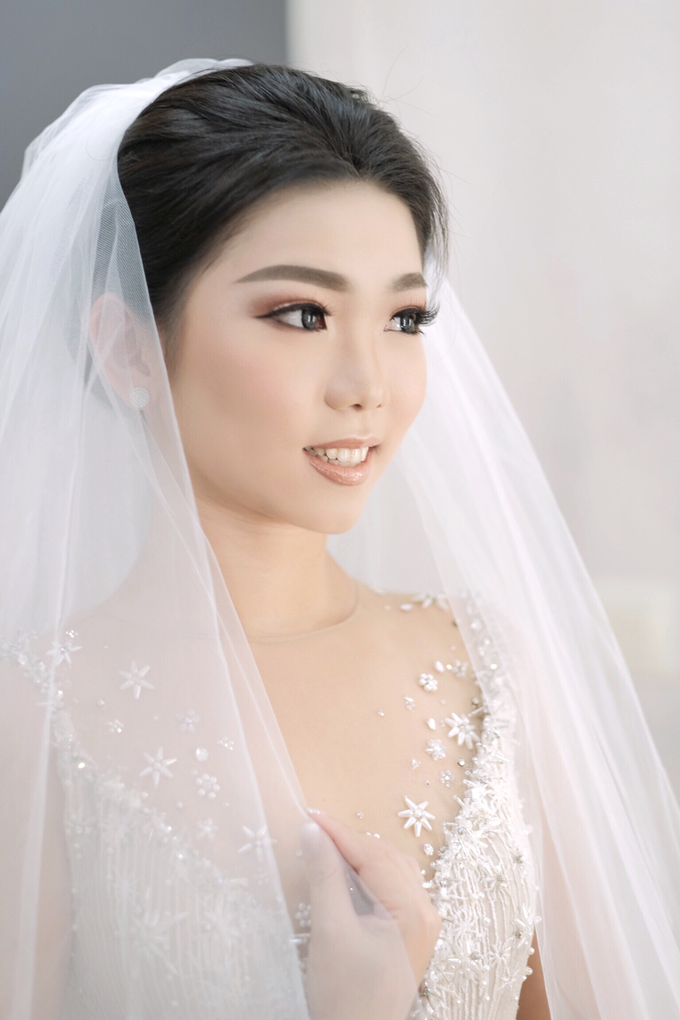 Latest Make up Style by Vidi Daniel Makeup Artist managed by Andreas Zhu - 012