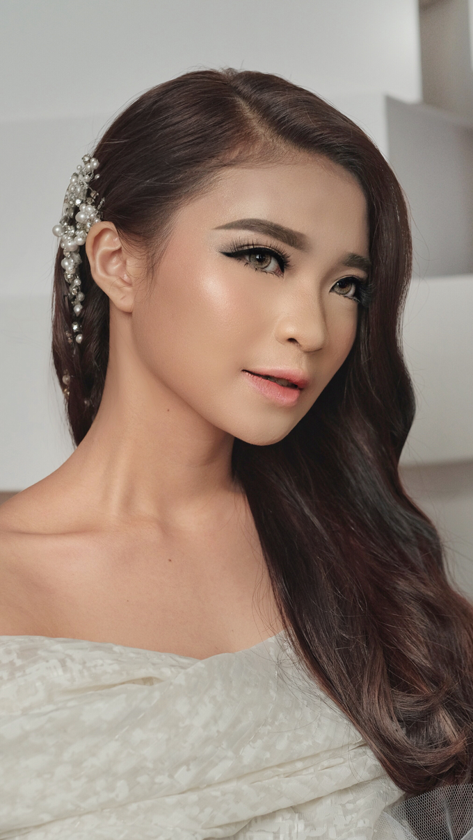 Latest Make up Style by Vidi Daniel Makeup Artist managed by Andreas Zhu - 030