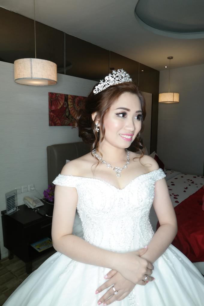 Wedding - Olivia  by vinamakeupartist - 001
