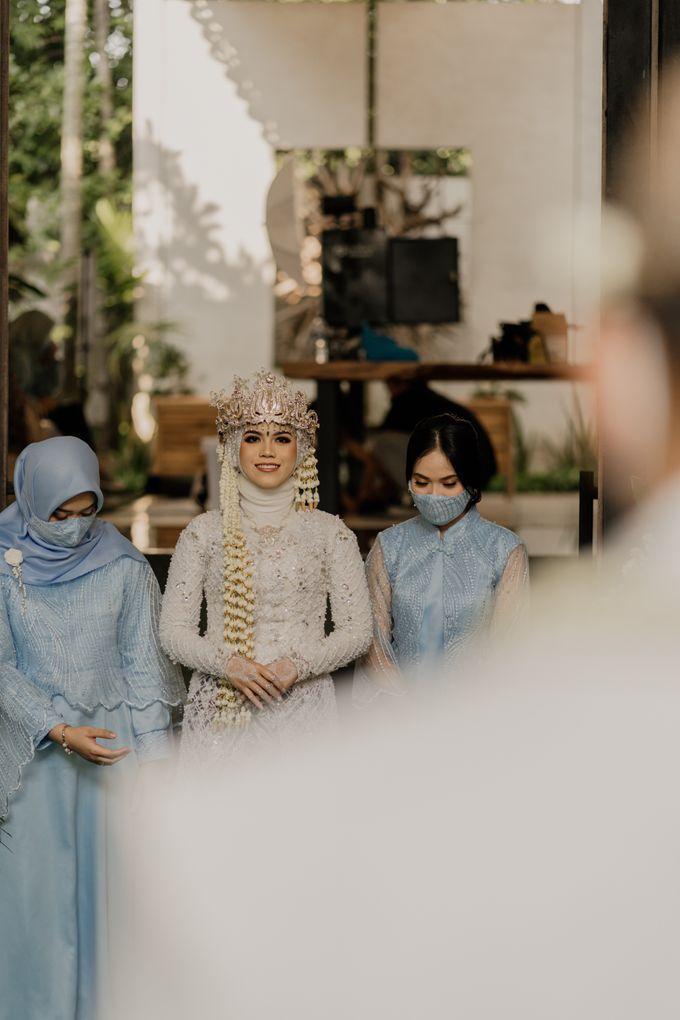 Vinsca & Ivan Wedding at Azila Villa by AKSA Creative - 010