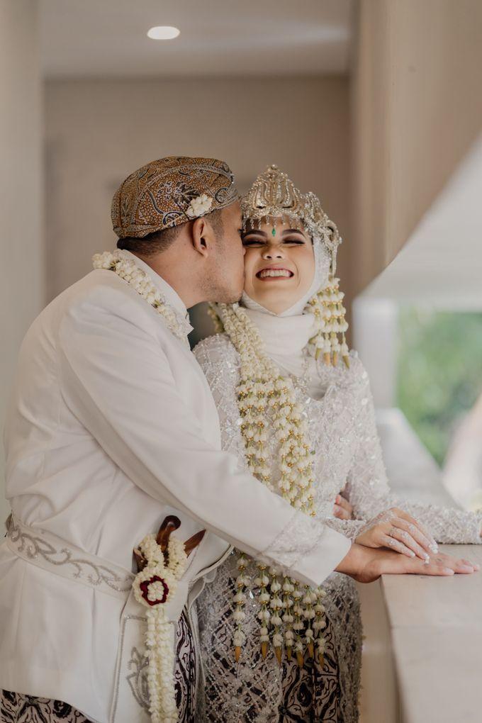 Vinsca & Ivan Wedding at Azila Villa by AKSA Creative - 016
