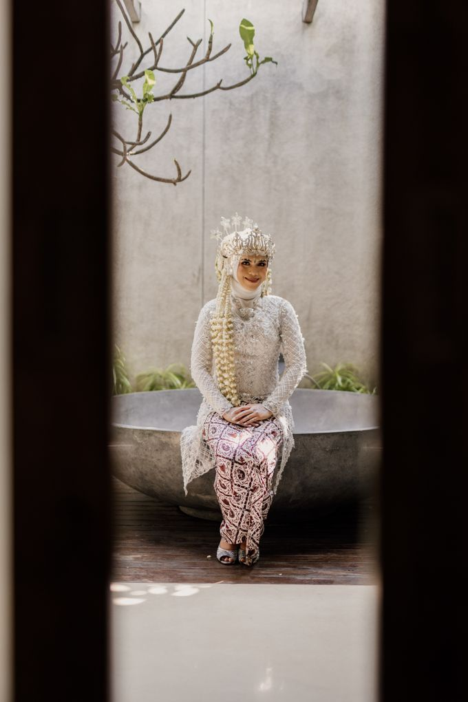 Vinsca & Ivan Wedding at Azila Villa by AKSA Creative - 018