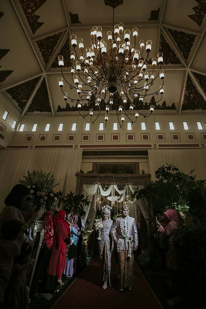 The Wedding Of Ayu + Agung by Wong Akbar Photography - 002