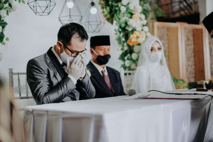 Akad Moment of  Taufiq & Rita by Photopholife_view - 025