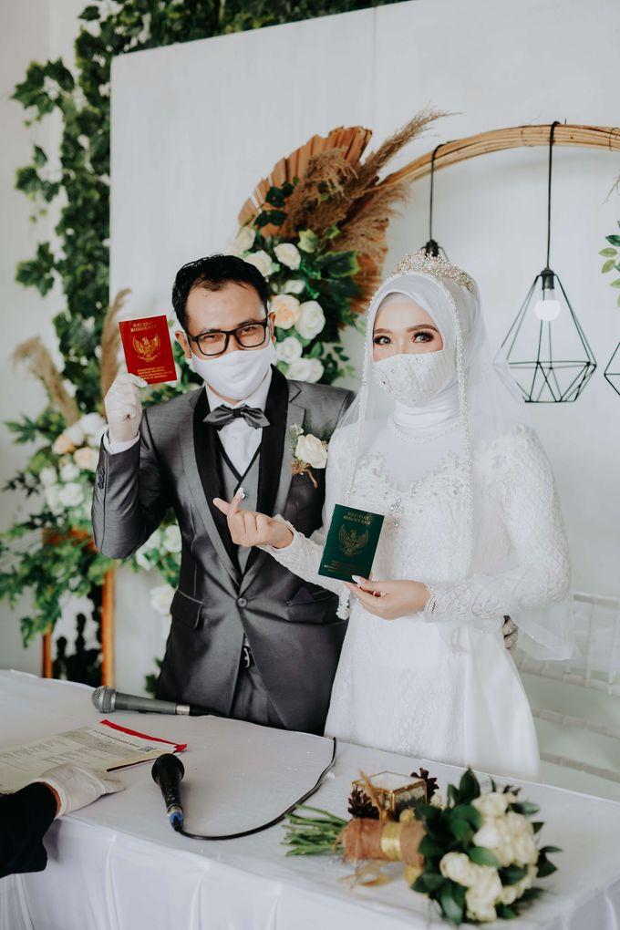 Akad Moment of  Taufiq & Rita by Photopholife_view - 028