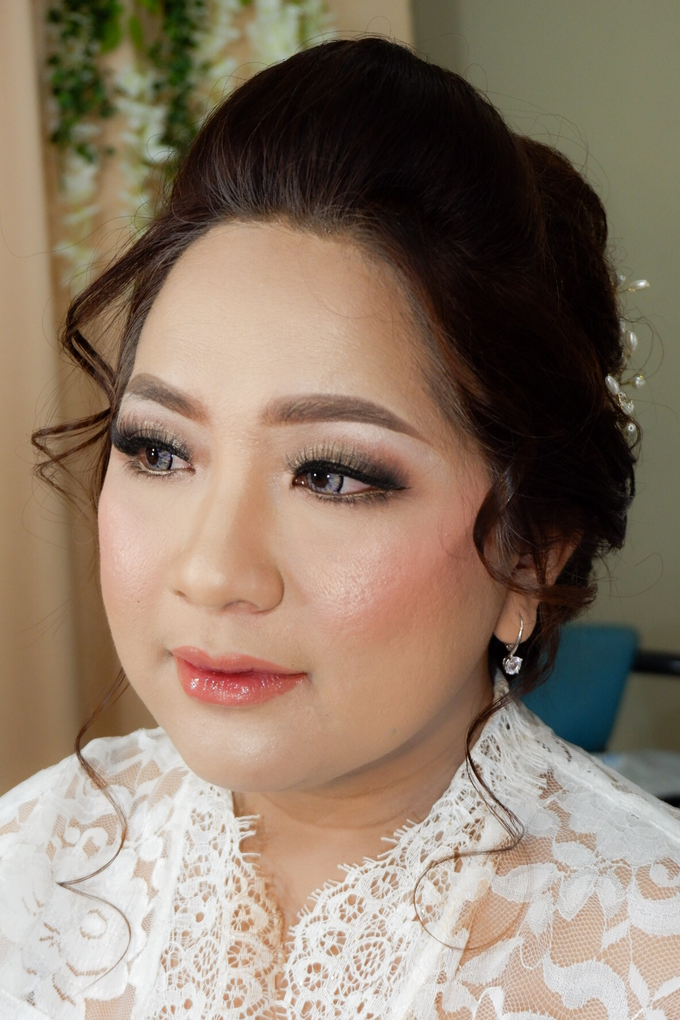 Wedding makeup by Vnimakeupartist - 032