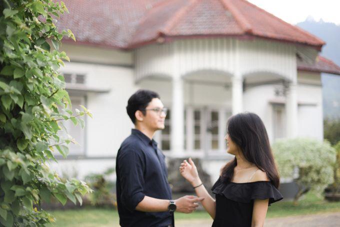 Minangkabau Couple Session of Tere and Bona by Vanilla Latte Fotografia - 048
