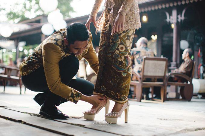 Dana & Brena Engagement by Akuwedding - 017