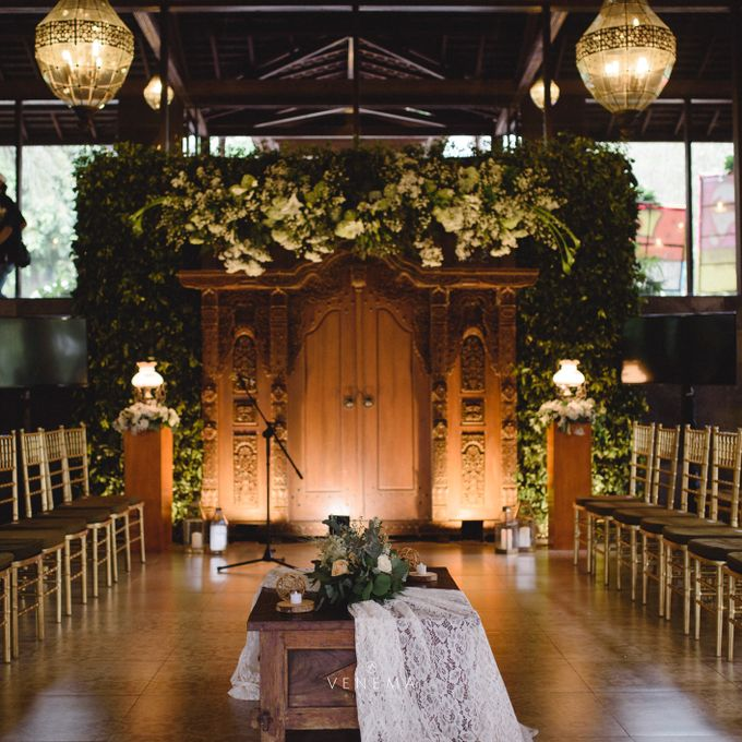 Dana & Brena Engagement by Akuwedding - 011