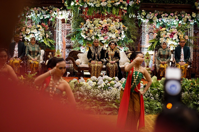 The wedding of Raras & Radit by Voyage Entertainment - 006