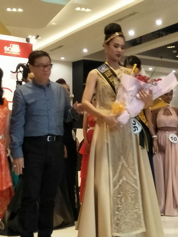 Gown for El John Modeling Competion by Esselia_Atelier - 001