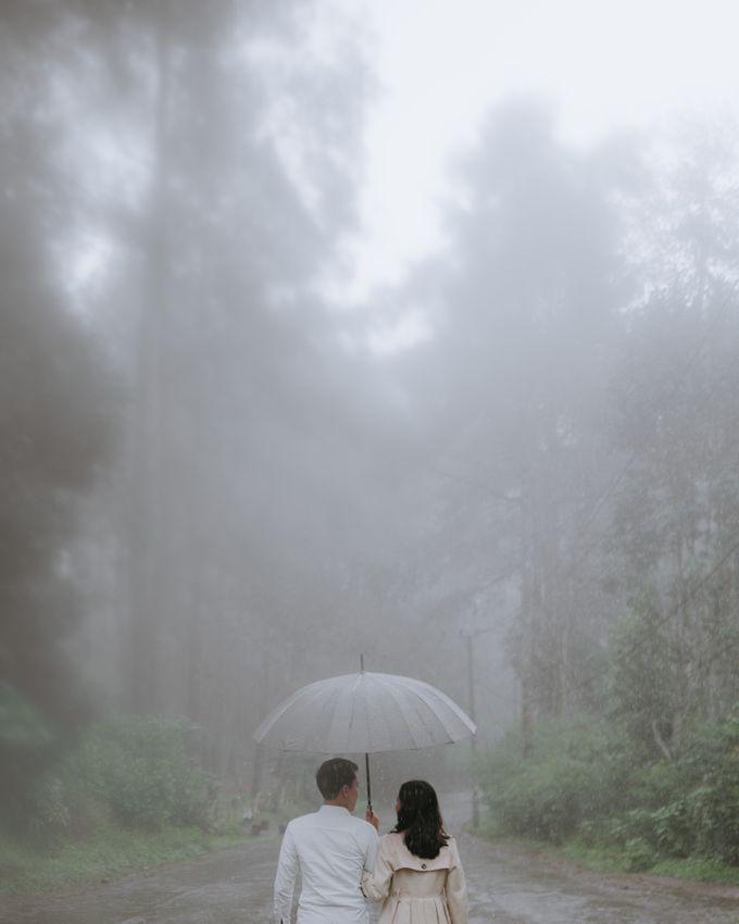 Prewedding Ufinta & Dimas by momentfromus - 010