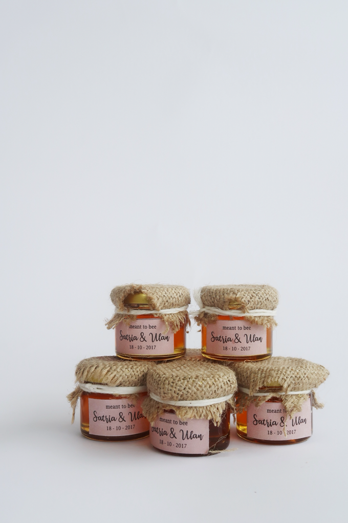 Honey in Jar Souvenir by Wander Love - 003
