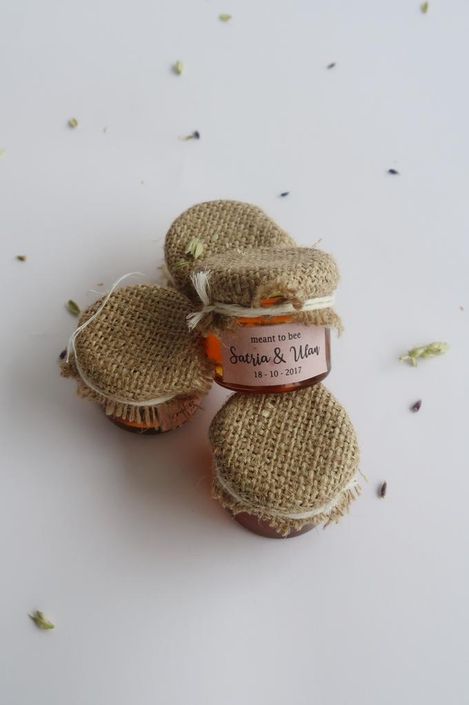 Honey in Jar Souvenir by Wander Love - 005