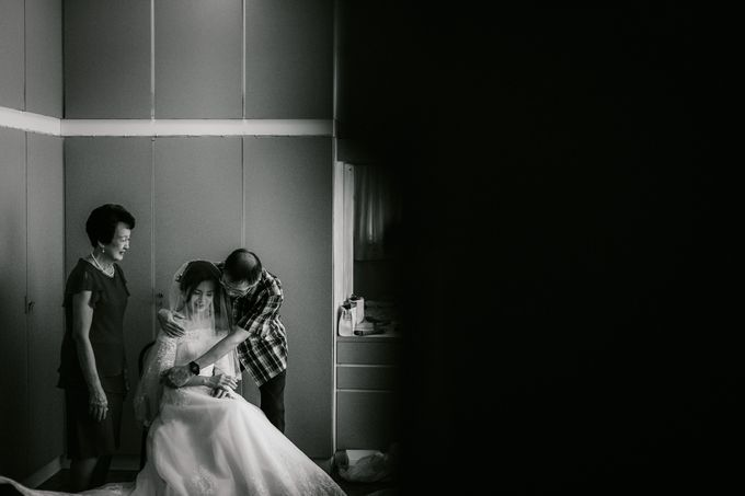 Wedding Day Moment Photography by DTPictures - 007