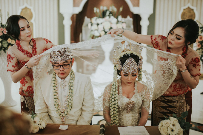 The Royal Wedding of Vicky & Lenny at Rumah Maroko by Warna Project - 006