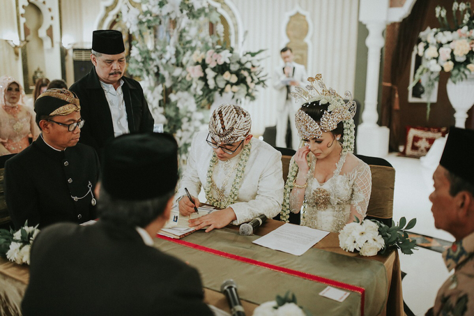 The Royal Wedding of Vicky & Lenny at Rumah Maroko by Warna Project - 008