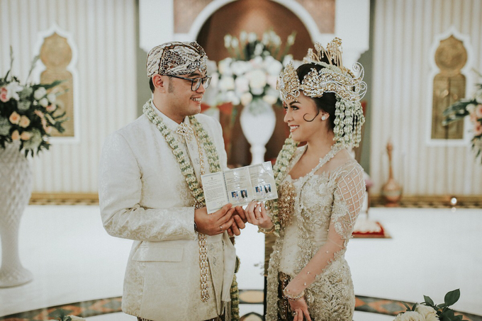 The Royal Wedding of Vicky & Lenny at Rumah Maroko by Warna Project - 012