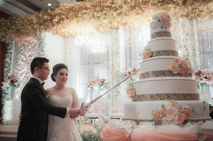 The Wedding Of Windra & Cindy by Vivi Valencia - 007
