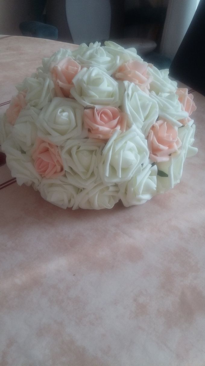 Create A Simple Centerpiece With A Small Budget by Kamy Wedding - 007